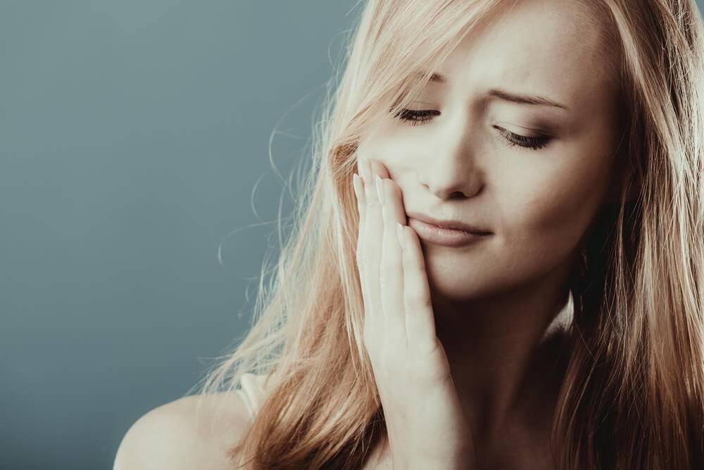 Conheça as 5 principais causas de dores no maxilar