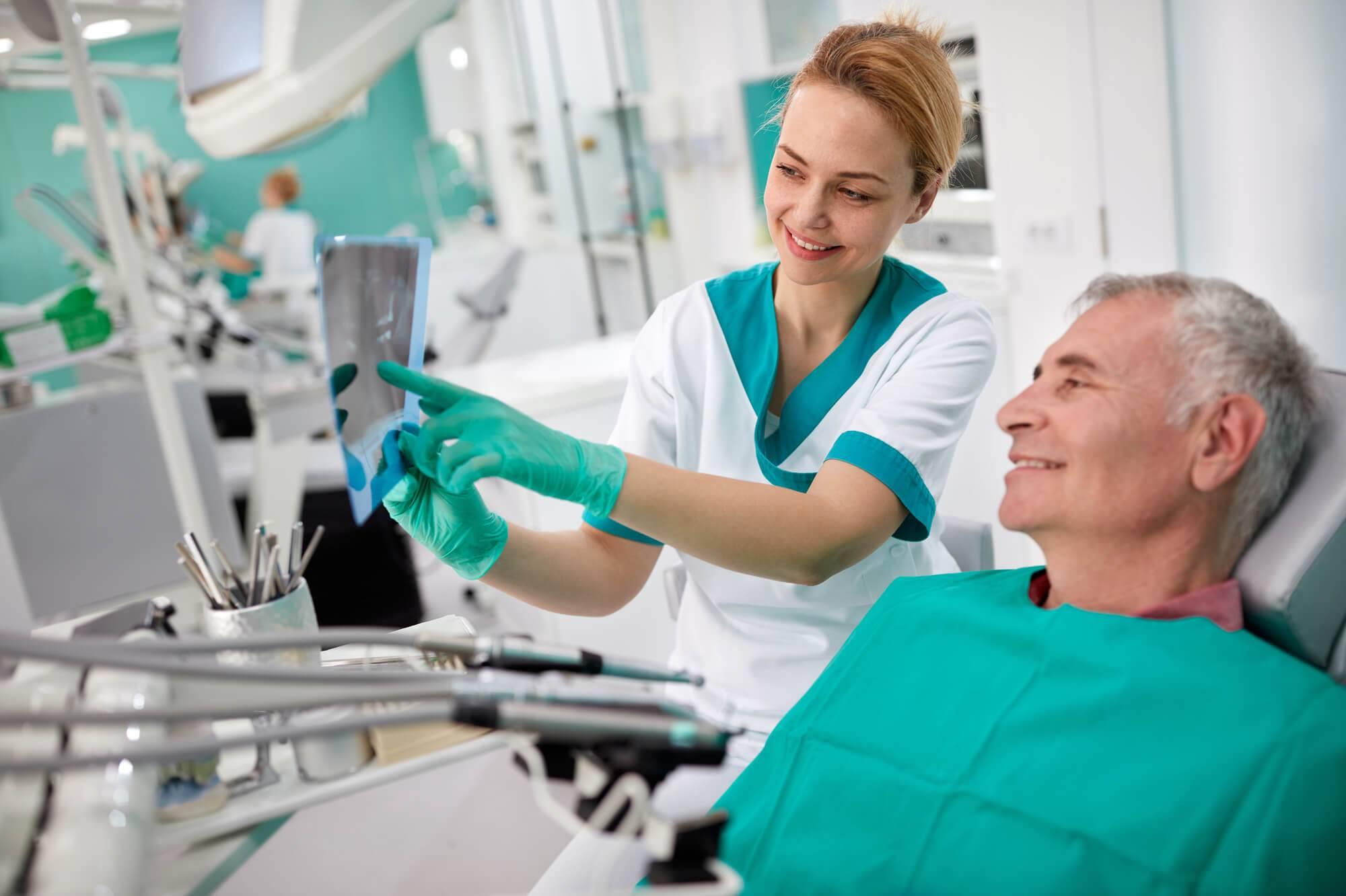 Check-up médico: por que incluir a visita ao dentista na lista?