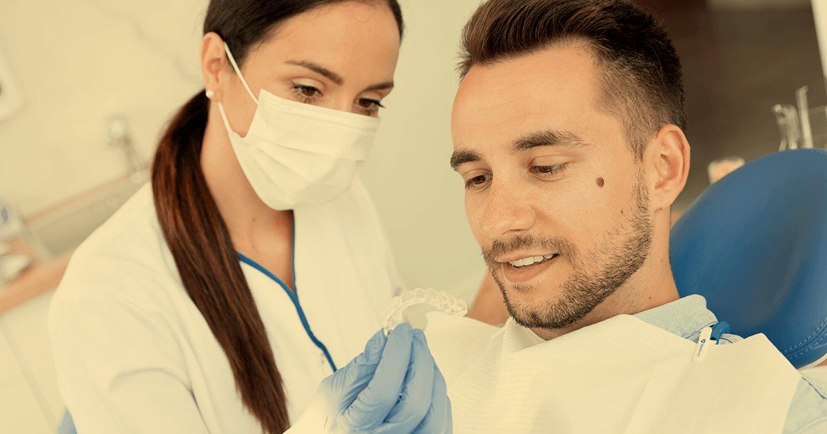 Oferecendo aparelho ortodôntico transparente aos pacientes